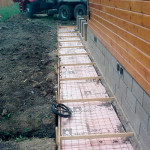 konstruktsiya-otmostki-gotovaya-k-zalivke-betonom